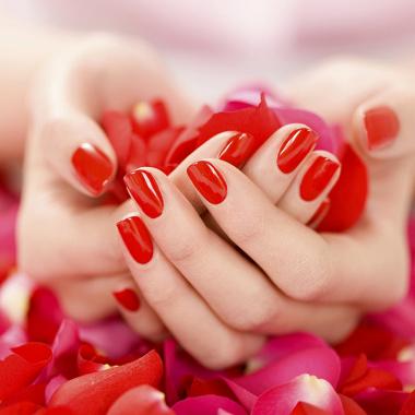 cnd_shellac_manicure-700x700